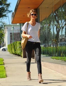 0813-55_wardrobe-essentials-black-pants_li.jpg