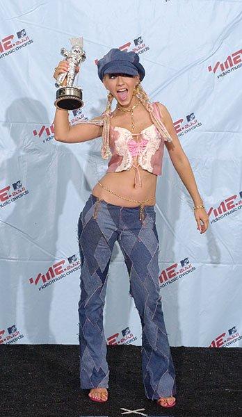 3386d96f-a73b-486a-9cfa-fefb1b437c27_Christina-Aguilera-2001-MTV-VMAs.jpg