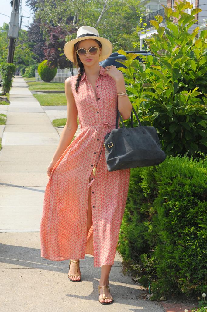 Miranda+Kerr+looks+pretty+pink+steps+out+long+OXJhGGhd2JWx.jpg