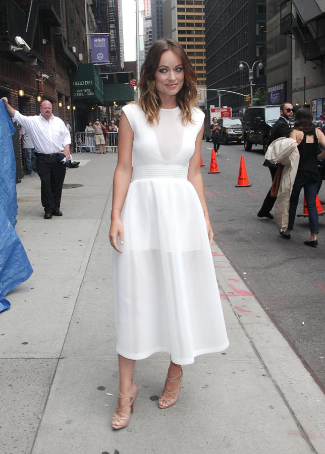 Olivia-Wilde-dress-August-19-2013-at-The-Late-Show-with-David-Letterman-1b.jpg