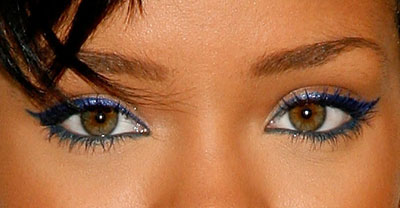 Navy-blue-eyeliner-makeup-29012540-400-208.jpg