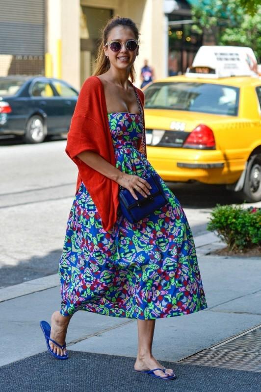 Jessica-Alba-vestido-color-532x800.jpg