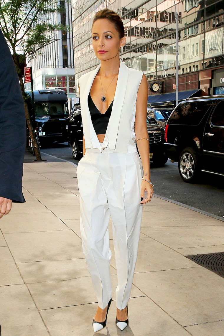 Nicole-Richie-In-Low-Cut-Top-At-The-Today-Show-In-New-York-02-760x1140.jpg