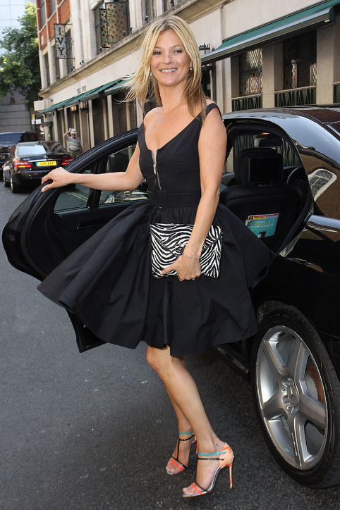kate-moss-prada-black-dress-marilyn-monroe-london-h724.jpg
