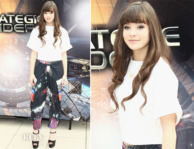 Hailee-Steinfeld-In-Osman-and-Clover-Canyon-Enders-Game-Paris-Photocall.jpg