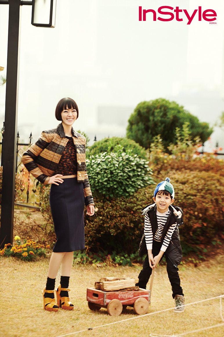 (3)김윤아와 아들.jpg