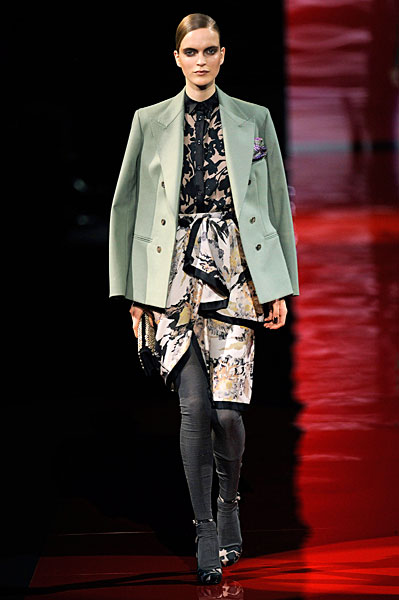 jkt on shoulders ETRO_AW10_0974.jpg
