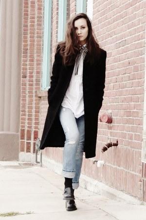 black-oversized-coat.jpg
