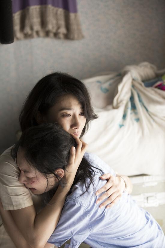 봄_김서형&이유영.jpg