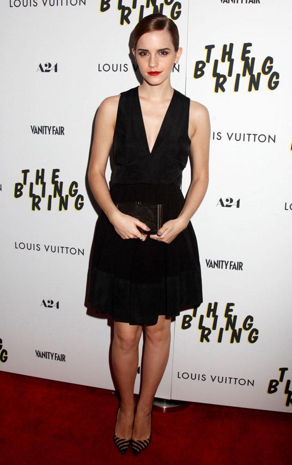emma-watson-the-bling-ring-premiere-new-york-red-carpet-fashion-12-06-2013-jpg_081933.jpg