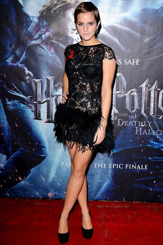 emma-watson-harry-potter-and-the-deathly-hallows-premiere-in-olsen-twins-news-com-550x827.jpg