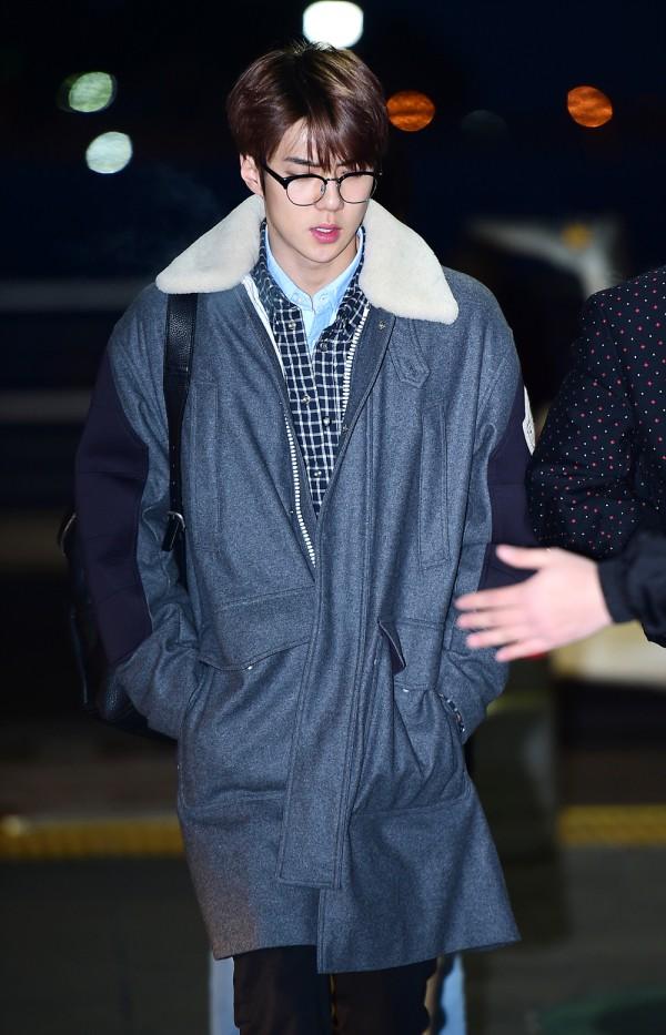 엑소 세훈 공항패션, 보온+스타일 동시 캐치 '한파에도 끄떡 없죠' (3).jpg