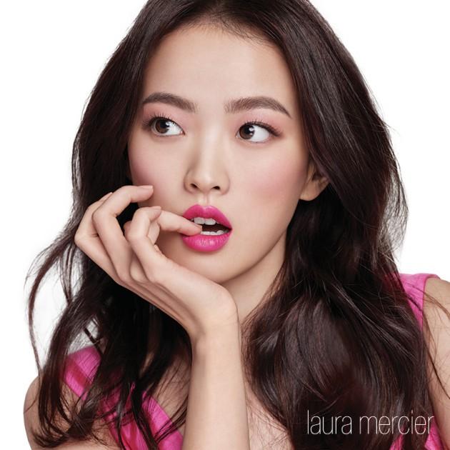 ▲ 배우 천우희와 로라메르시에 SS 벨루어 러버스립 컬러 광고